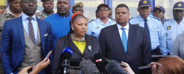 Minister of Defence Nosiviwe Mpisa-Nqkula briefing media on the deployment of South African troops to monitor the situation in Alexander on 21 April 2015. Picture: Mia Lindeque/EWN.