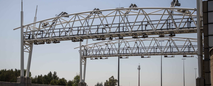 An e-toll gantry on the highway in Gauteng. Picture: Abigail Javier/EWN