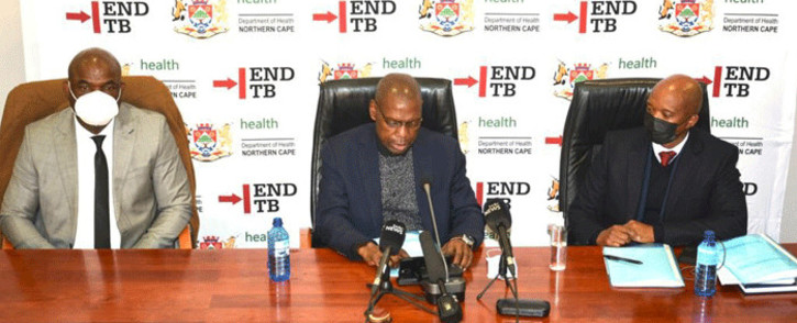Health Minister Zweli Mkhize (C) visited the Northern Cape to assess the province's COVID-19 vaccine rollout on 8 June 2021. Picture: Northern Cape Department of Health.