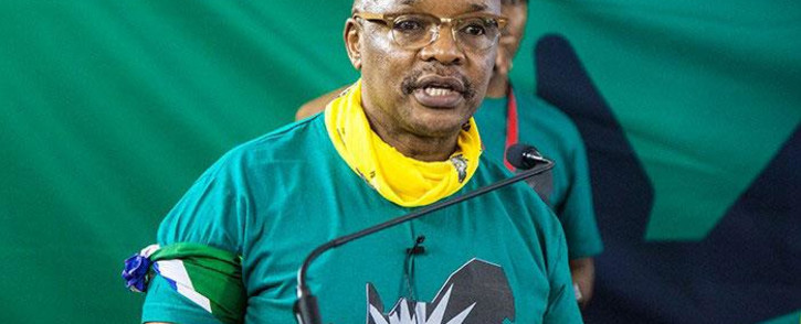 FILE: Sipho Pityana addresses Save SA supporters following their march through Pretoria on 2 November, 2016. Picture: Kgothatso Mogale/EWN