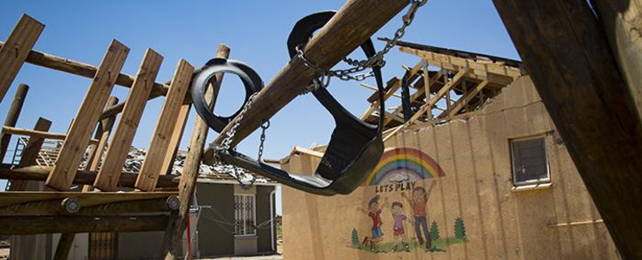 Mandla Lubango, a Protean Glen ext 31 homeowner, says the construction company which built the homes needs to be held accountable. Picture: Sethembiso Zulu/EWN