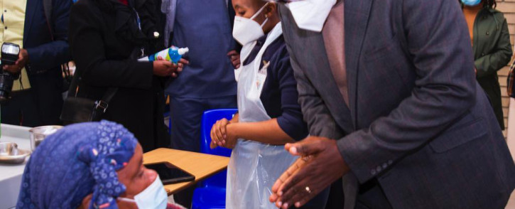 Gauteng Premier David Makhura during a visit to the Chris Hani Baragwanath Hospital on 12 June 2021, where Acting Health Minister Mmamolo Kubayi-Ngubane had been to assess progress in the vaccination campaign in the province. Picture: Twitter/@GautengProvince