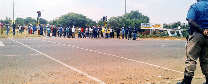 Soweto police have confirmed one person has been arrested after opening fire on protesting residents from the Thembelihle township on 25 February 2015. Picture: @JMPDSafety