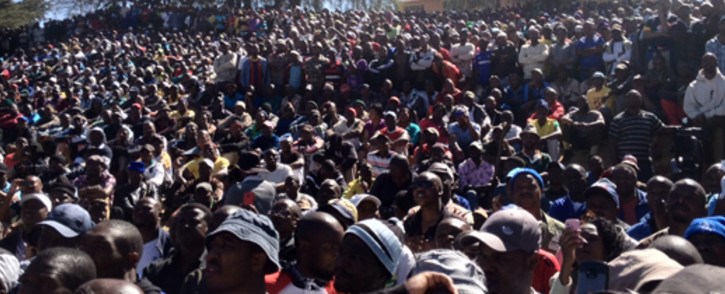 About 3,000 men gather outside the Goldfields' KDC gold mine in Westonaria in September. Picture: Govan Whittles/Eyewitness News.