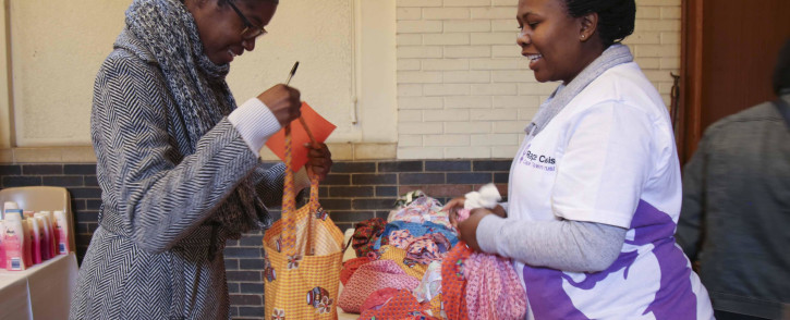 FILE: Rape Crisis hosted a care pack drive in honour of Mandela Day. Volunteers spent their 67 minutes making care packs which will be distributed at Thuthuzela Care Hospitals. Picture: Cindy Archillies/EWN