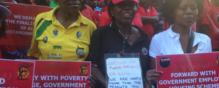 FILE: Workers protest as public sector unions seek to strike a wage deal. Picture: EWN