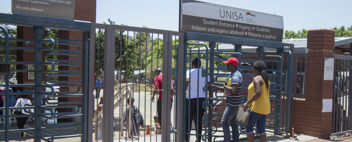 Police monitor the situation at the Unisa Sunnyside campus in Pretoria following chaos that broke out on 15 January 2018. Picture: Ihsaan Haffejee/EWN