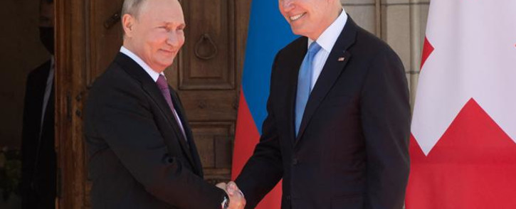 US President Joe Biden (R) and Russian President Vladimir Putin shake hands as they arrive for a US-Russia summit at Villa La Grange in Geneva on June 16, 2021. Picture: SAUL LOEB / POOL / AFP