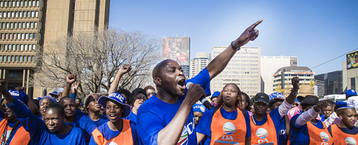 Members of the Democratic Alliance march to the Johannesburg municipal offices, protesting a lack of job creation. Picture: Thomas Holder/EWN