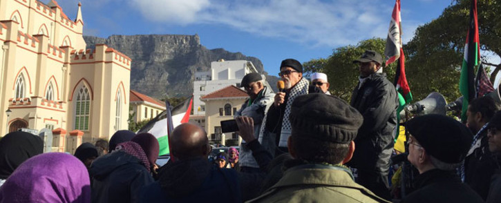 A handful of people joined the al-Quds day march on the steps of Parliament. Picture: Monique Mortlock/EWN