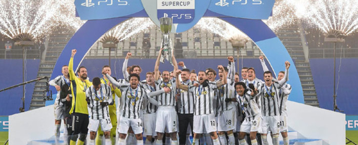 Juventus players celebrate their Italian Super Cup win over Napoli on 20 January 2021. Picture: @juventusfcen/Twitter