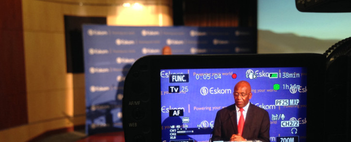 Eskom Chairman Zola Tsotsi addressing the media and staff after the utility called an emergency press briefing at its Megawatt Park this morning. Picture: Reinart Toerien/EWN.