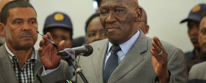 Police Minister Bheki Cele meeting with Bonteheuwel residents on 26 September 2018 to address their concerns following anti-gang violence protests. Picture: @SAPoliceService/Twitter