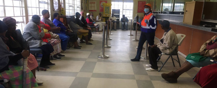 Beneficiaries waiting to collect their social grants at the Pimville Post Office in Soweto on 31 March 2020. Picture: Kgomotso Modise/EWN