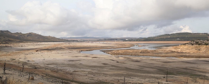 FILE: A shallow stream of water runs through the Theewaterskloof Dam on 11 December 2017, as the Western Cape is gripped by drought. Picture: Bertram Malgas/EWN