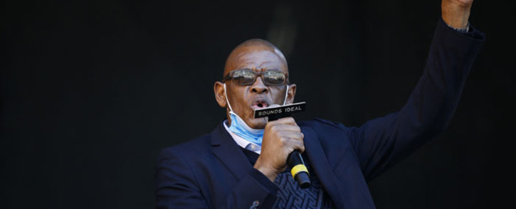 Ace Magashule, the suspended African National Congress (ANC) secretary-general, speaks ahead of former President Jacob Zuma's address following the postponement of his corruption trial outside the Pietermaritzburg High Court in Pietermaritzburg, South Africa, on 26 May 2021.Picture: Phill Magakoe/AFP