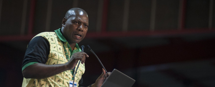 Zweli Mkhize takes to the podium as he declines the nomation for deputy president at the ANC's national conference on 17 December 2017. Picture: Ihsaan Haffejee/EWN