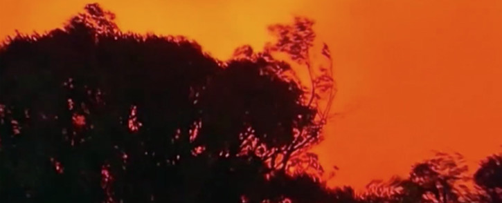 Fire crews combat bush fires in the blue mountains of Australia.Pictures : Screengrab/CNN