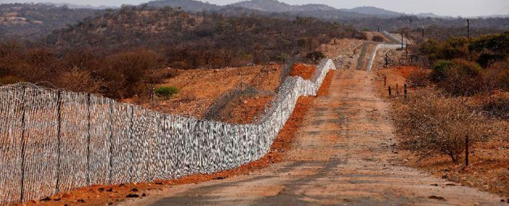 The border fence that separates South Africa and Zimbabwe near the Beitbridge border post, near Musina, on in October 2020. Picture: AFP.
