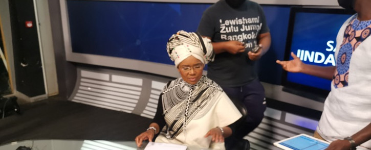 Veteran news anchor Noxolo Grootboom prepares to deliver her last bulletin on Tuesday, 30 March 2021. Picture: @AbongileDumako/Twitter