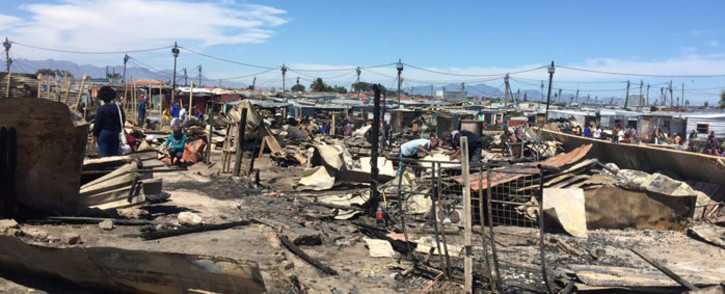 At least one person died after a fire broke out in Khayelitsha, Cape Town, in the early hours of 20 October 2018. Picture: @NMakoba/Twitter