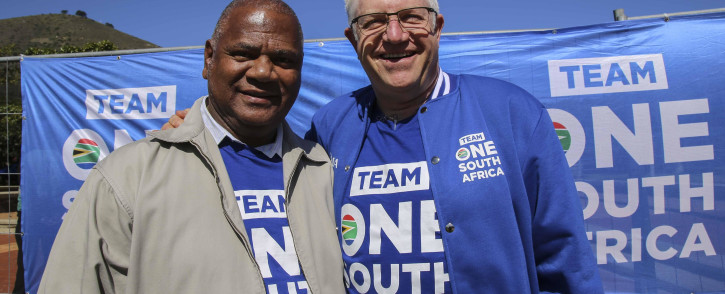 Western Cape's Alan Winde (right) and Dan Plato (left) at the launch of the #TeamOneSA campaign at the Cape Town Stadium. Picture: Cindy Archillies/EWN
