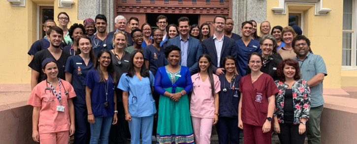 Western Cape Health MEC Nomafrench Mbombo with new junior doctors welcoming them at New Somerset Hospital along with provincial health head Dr Beth Engelbrecht. Picture: @WCHealthMEC/Twitter.
