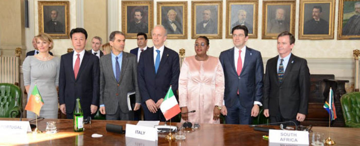 Seven countries, including South Africa, have signed a convention to create the Square Kilometre Array Observatory. Picture: @dstgovza/Twitter.
