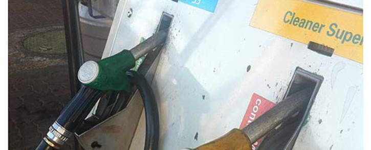 The energy department announced that the petrol price will decrease by 45 cents a litre on Wednesday. Picture: EWN.