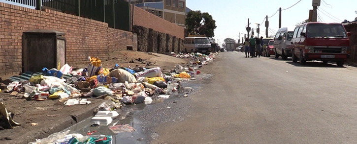 A polluted street in Alexandra's 1st Avenue. The township is infested with rats, and they are wreaking havoc in the township. Picture: Vumani Mkhize/EWN.