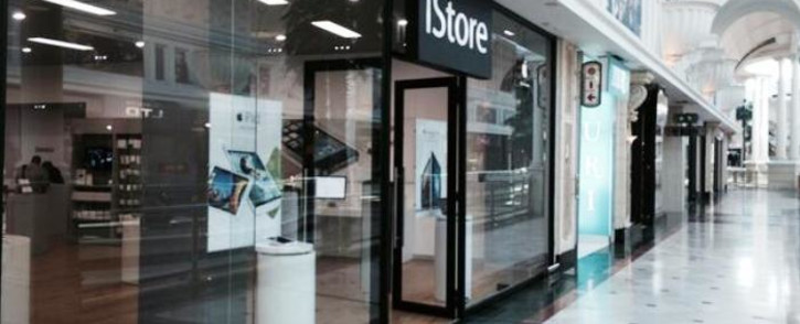 FILE: Armed robbers hit Canal Walk Shopping Centre twice last week. Picture: Twitter.