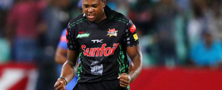 Andile Phehlukwayo of Dolphins produced a stunning final over as he finished with figures of 2/28 to restrict the visitors. Picture: Dolphins Cricket.