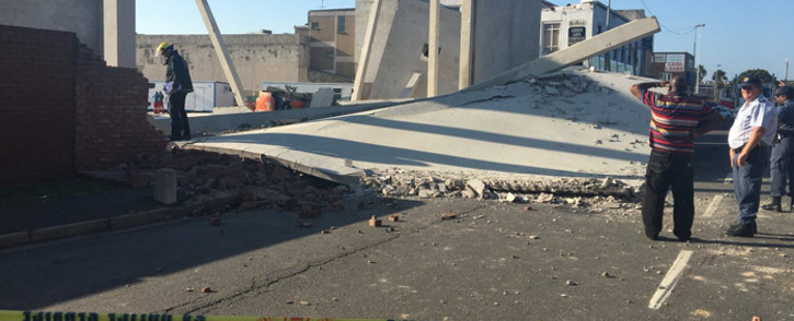 A building collapse in Wentworth in KwaZulu-Natal has killed three people. Picture: Ziyanda Ngcobo/EWN