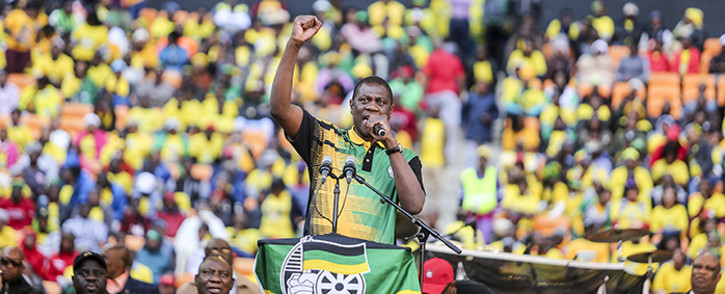 FILE: Gauteng ANC chairperson Paul Mashatile passionately addresses thousands of supporters during a rally at the FNB Stadium. Picture: Reinart Toerien/EWN.