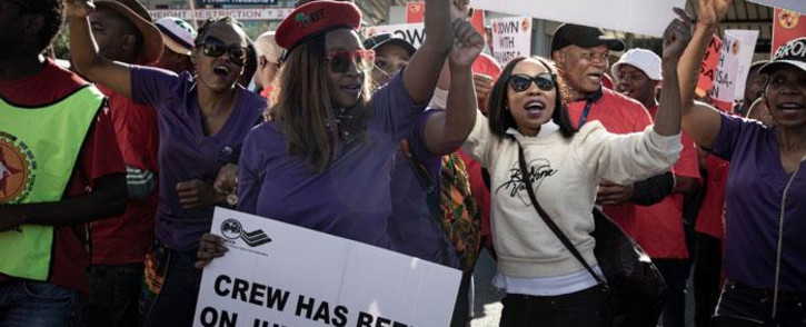 FILE: Numsa and South African Cabin Crew Association (Sacca) members picket at the SAA Airways Park in Kempton Park on 15 November 2019. Picture: Xanderleigh Dookey/EWN