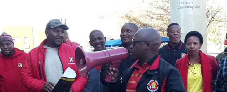 FILE: Numsa members picket outside Eskom headquarters in Johannesburg. Picture: @Numsa_Media/Twitter