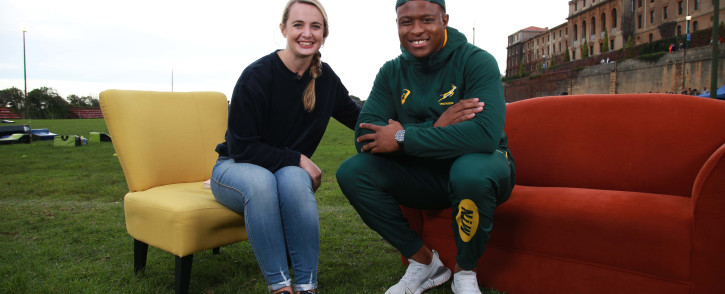 Cato Louw sits down with Springbok Aphiwe Dyanti after training with the Michigan State University college football team in Cape Town. Picture: Cindy Archillies