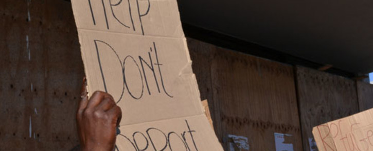 FILE: Refugees protesting against the reception centre in Maitland being closed. Picture: EWN.