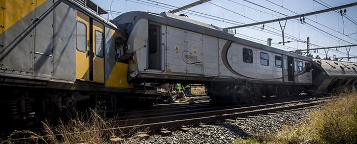 Two trains collided near the Elandsfontein station in Johannesburg on Thursday morning leaving one person dead and over 100 injured. Picture: Reinart Toerien/EWN.