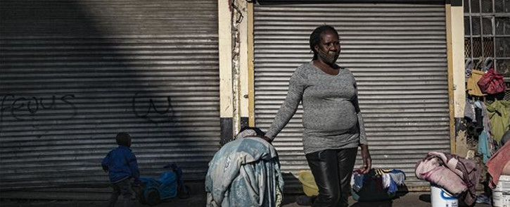 Sibongikosi Nyoni from Zimbabwe says she had to take her children back home because of the epidemic. Nyoni has been begging on the streets for food. Picture Sethembiso Zulu/EWN