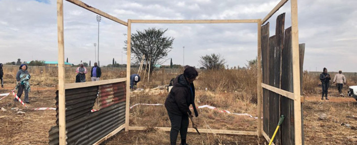 FILE: Residents build structures on land they've illegally occupied. Picture: Mia Lindeque/Eyewitness