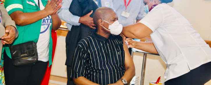 FILE: Health Minister Zweli Mkhize gets his J&J COVID-19 vaccination at Khayelitsha Hospital on 17 February 2021 Picture: GCIS