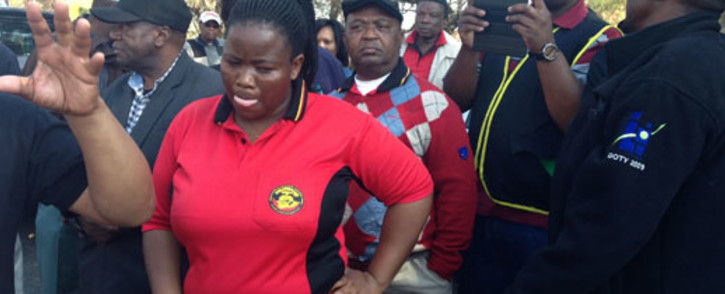 Members of South African Municipal Workers' Union (Samwu) protesting outside Metro Bus depot in Braamfontein, Johannesburg on 9 July 2013. Picture: Leeto Khoza/EWN