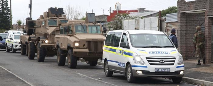 FILE: SAPS and members of the SANDF rolled into gang-ravaged communities in Cape Town. Picture: Bertram Malgas/EWN