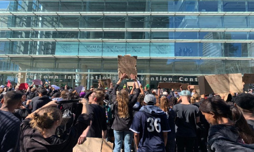 FILE: Anti-gender violence protesters at the CTICC in Cape Town where the World Economic Forum on Africa event is being held on 4 September 2019. Picture: Christa Eybers/EWN.