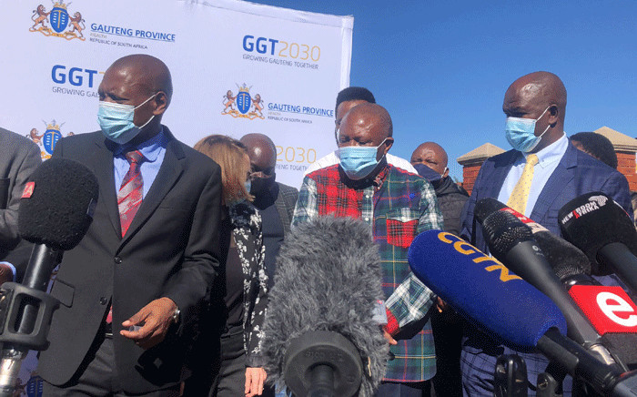 Health Minister Zweli Mkhize and Gauteng Premier David Makhura were at the Munsieville Care Centre for the Aged on 17 May 2021 to witness the kick off of phase two of the COVID-19 vaccine programme. Picture: Mia lindeque/Eyewitness News.
