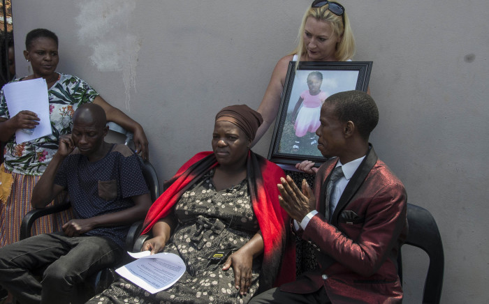 """Nontombi Gwam, the mother of 3-year-old Latoya Gwam, who passed away at Pastor Paseka """"Mboro"""" Motsoeneng's church gives a press conference to media at her home in Daveyton. Picture: Ihsaan Haffejee/EWN"""