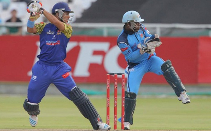 Cape Cobras batsman JP Duminy cuts into the offside during the Cobras' victory over the Titans at Newlands on 22 January 2014. Picture: Facebook