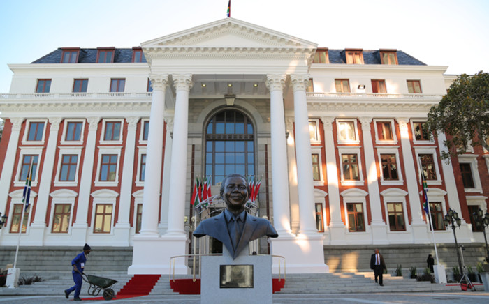 Parliamentarians marking the anniversary of Nelson Mandela's death, have called on feuding colleagues to bury the hatchet. Picture: Aletta Gardner/EWN