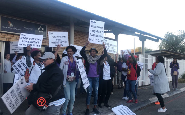 Numsa and Sacca members picket at the SAA Airways Park in Kempton Park on 15 November 2019. Picture: Mia Lindeque/EWN
